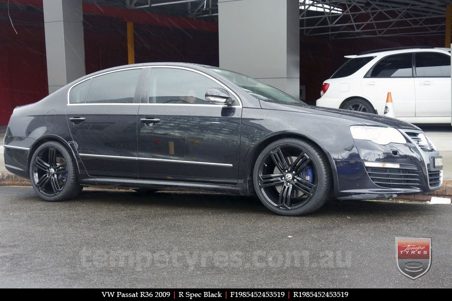 19x8.5 R Spec Black on VW PASSAT