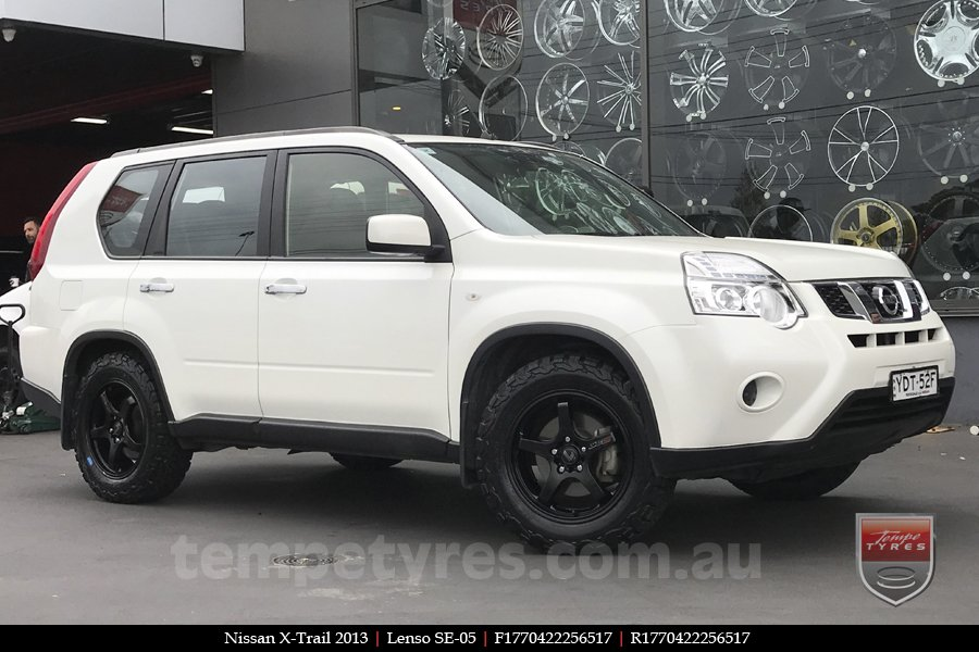 17x7.0 Lenso SE-05 on NISSAN X-TRAIL