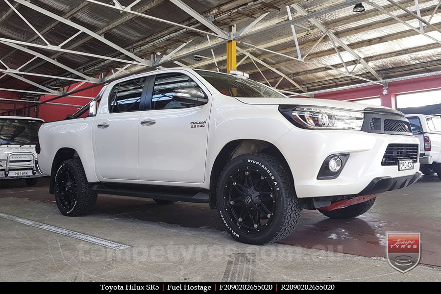 20x9.0 Fuel Hostage on TOYOTA HILUX SR5