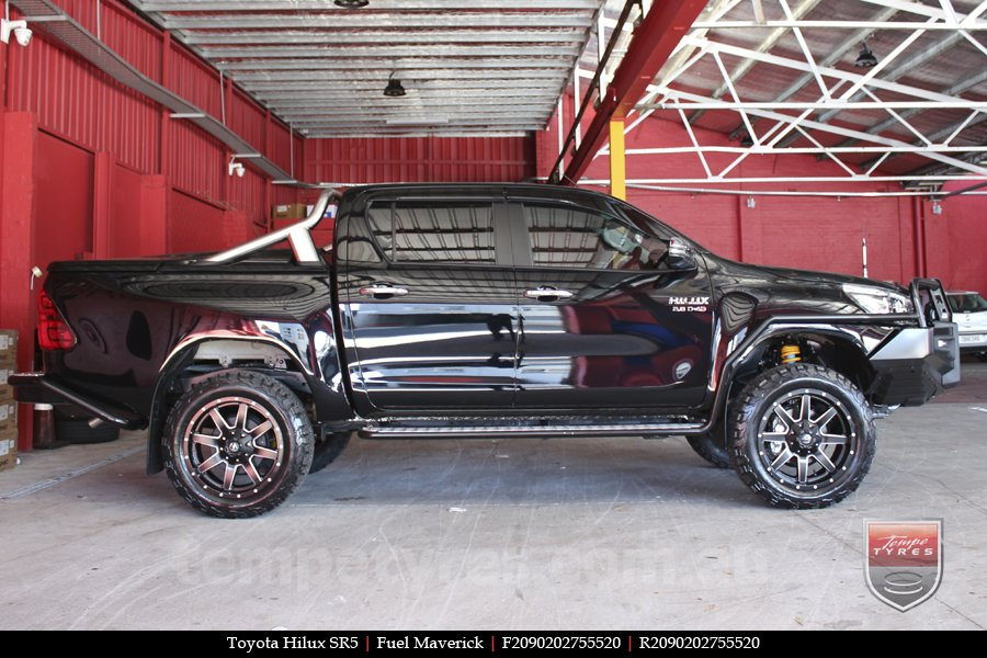 20x9.0 Fuel Maverick on TOYOTA HILUX SR5