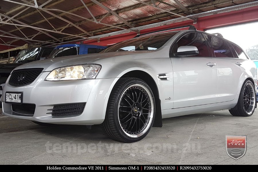 20x8.5 20x9.5 Simmons OM-1 Gloss Black on HOLDEN COMMODORE VE