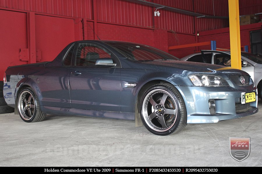 20x8.5 20x9.5 Simmons FR-1 Hyper Dark on HOLDEN COMMODORE VE