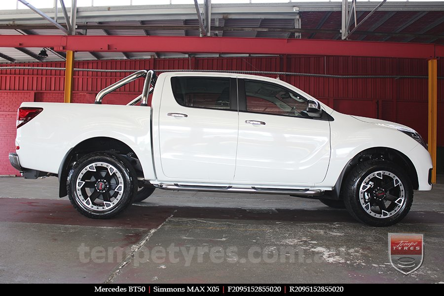 20x9.5 Simmons MAX X05 MBFG on MAZDA BT50