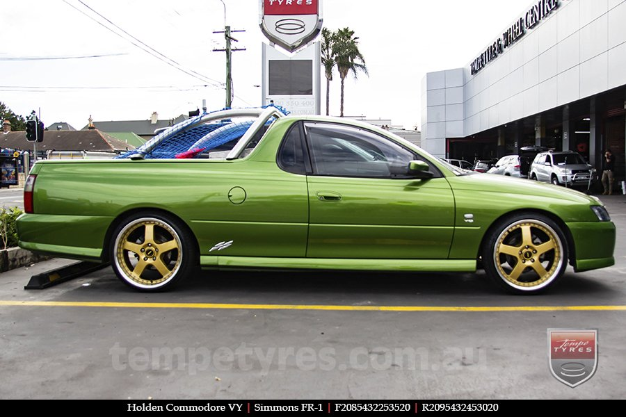 20x8.5 20x9.5 Simmons FR-1 Gold on HOLDEN COMMODORE VY
