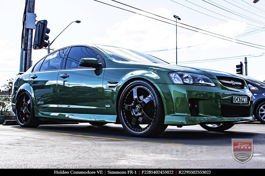 22x8.5 22x9.5 Simmons FR-1 Full Gloss Black on HOLDEN COMMODORE VE