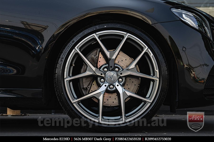 20x8.5 20x9.5 5626 MB507 Dark Grey on MERCEDES E220D
