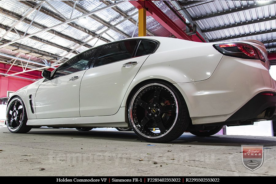 22x8.5 22x9.5 Simmons FR-1 Gloss Black Mirror Lip on HOLDEN COMMODORE VF
