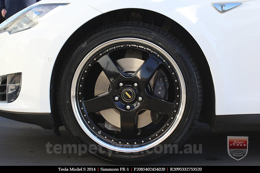20x8.5 20x9.5 Simmons FR-1 Gloss Black on TESLA MODEL S