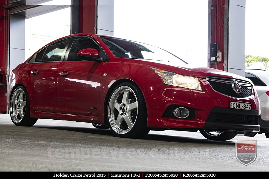 20x8.5 20x9.5 Simmons FR-1 Silver on HOLDEN CRUZE