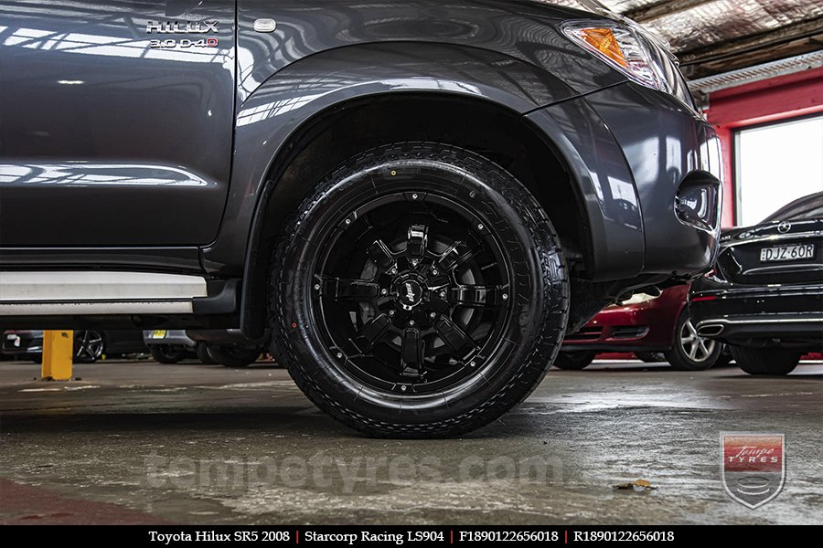 18x9.0 Starcorp Racing LS904 on TOYOTA HILUX SR5