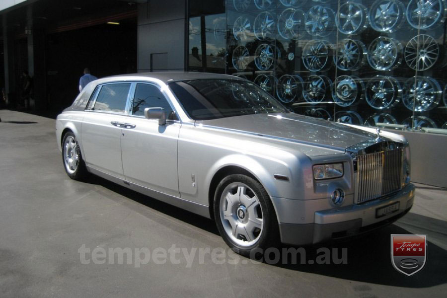 on ROLLS ROYCE PHANTOM