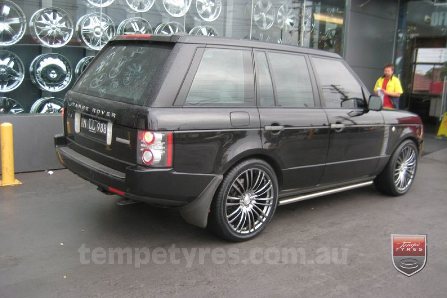 22x9.5 Lenso Como Shadow on RANGE ROVER VOGUE