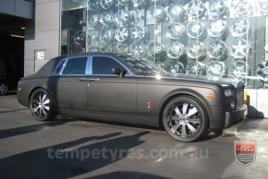 24x10 Lenso Concerto - BKQ on ROLLS ROYCE PHANTOM