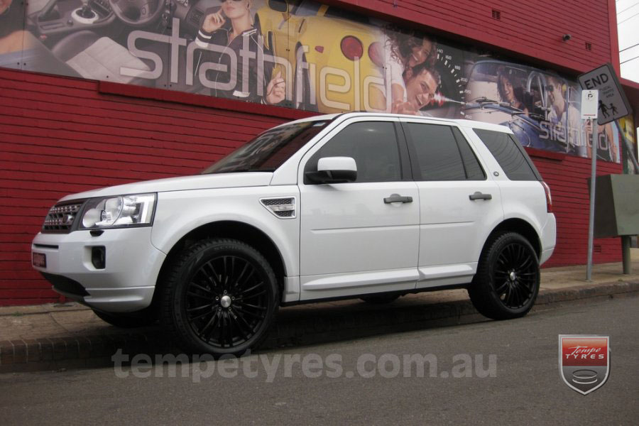 20x8.5 Lenso Como Black on LAND ROVER FREELANDER