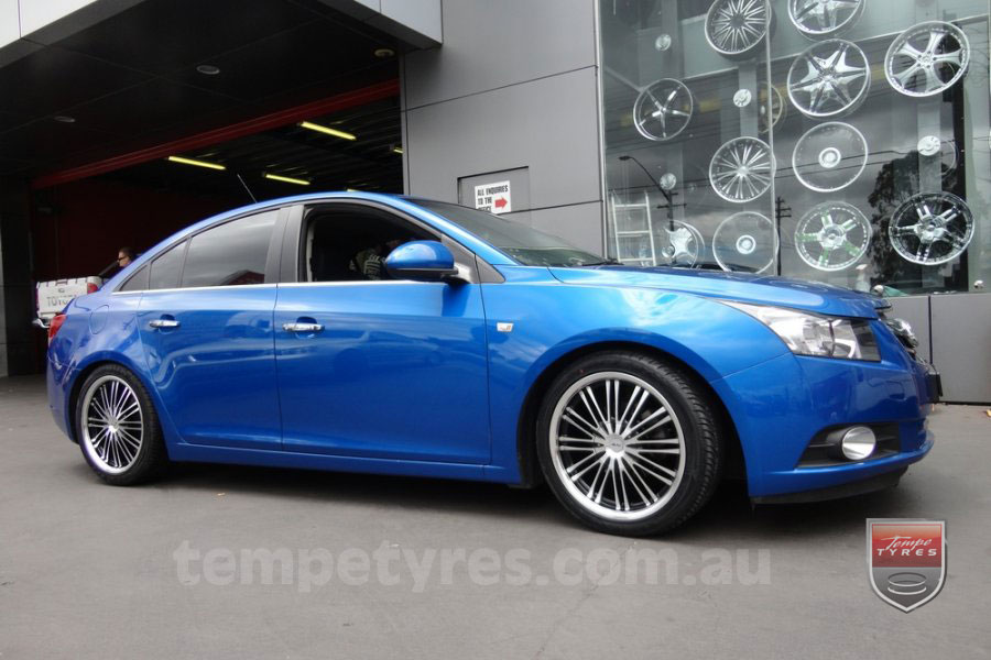 18x8.0 Inovit Formula on HOLDEN CRUZE