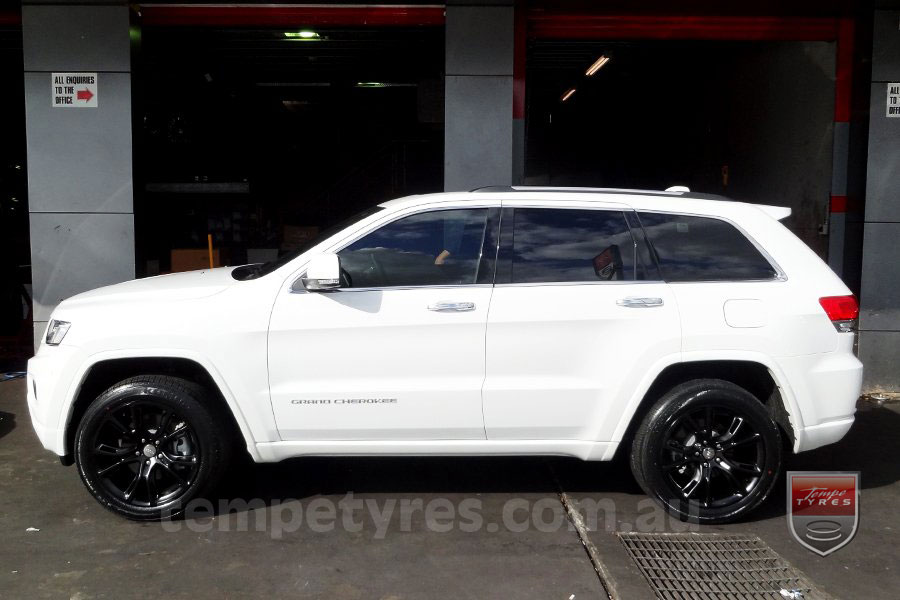 Jeep 2014 Jeep Cherokee Gallery Photos And Videos Html