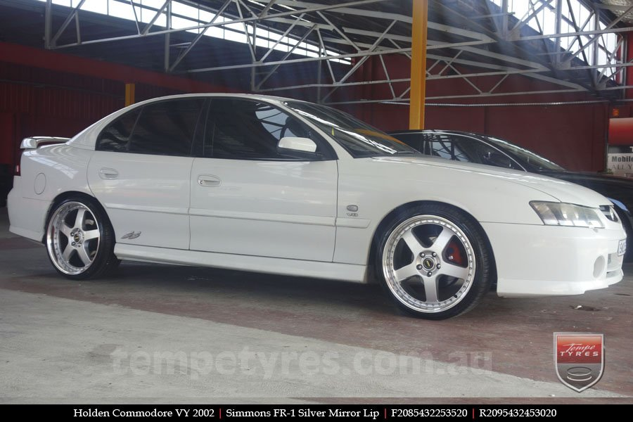 20x8.5 20x9.5 Simmons FR-1 Silver on HOLDEN COMMODORE VY
