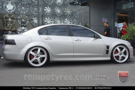 22x8.5 22x9.5 Simmons FR-1 Silver on HOLDEN COMMODORE VE