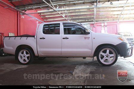 20x8.5 20x9.5 Simmons FR-1 White on TOYOTA HILUX