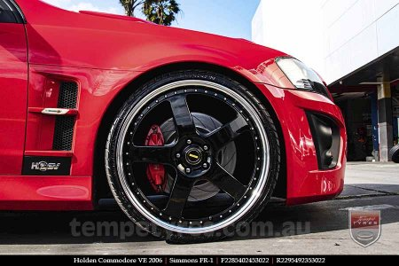 22x8.5 22x9.5 Simmons FR-1 Gloss Black Mirror Lip on HOLDEN COMMODORE VE