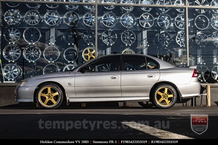 19x8.5 19x9.5 Simmons FR-1 Gold on HOLDEN COMMODORE VY