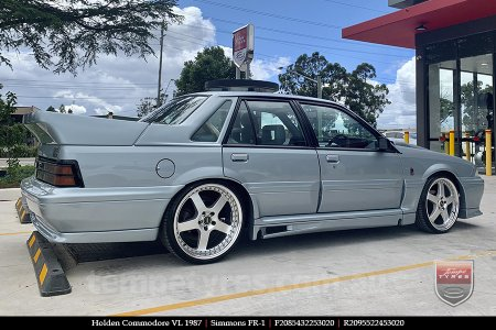 20x8.5 20x9.5 Simmons FR-1 Silver on HOLDEN COMMODORE VL