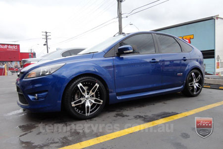 18x7.5 Giovinco G-05 on FORD FOCUS