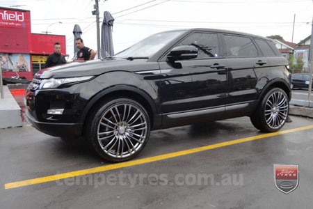 22x9.5 Lenso Como Shadow on RANGE ROVER EVOQUE