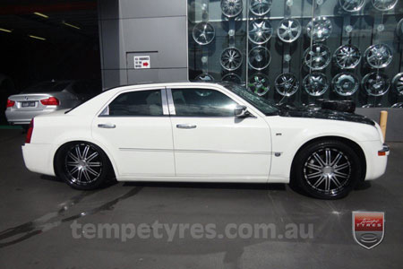 20x8.5 Lenso Symphony - BKQ on CHRYSLER 300C