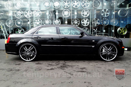 24x9.0 Giovinco G-03 Chrome on CHRYSLER 300C