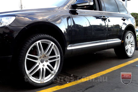 22x9.5 Style201 Silver on VW TOUAREG