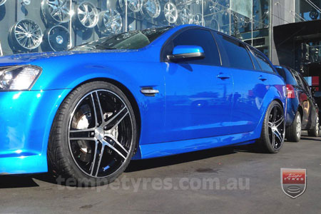 20x9.0 20x10 Lenso Miami on HOLDEN COMMODORE