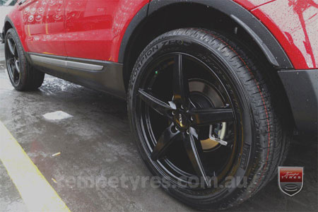 20x8.5 Oxxo Wheels 0492 on RANGE ROVER EVOQUE