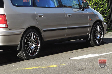 17x7.5 Fox X-tuning on HONDA ODYSSEY