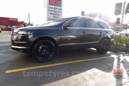 22x10 Cayenne11 Black on AUDI Q7