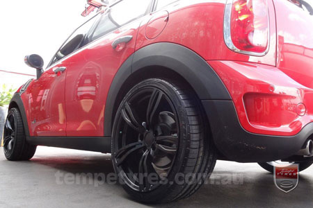 19x8.5 Style5409 Black on MINI COUNTRYMAN