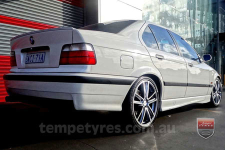 18x7.5 Fox R5 Gunmetal on BMW E36