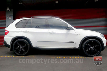 22x9.5 Incubus 842 GB on BMW X5