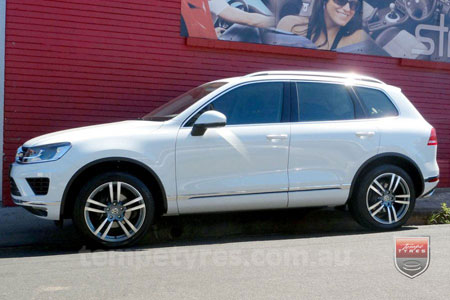 20x9.5 Cayenne10 on VW TOUAREG