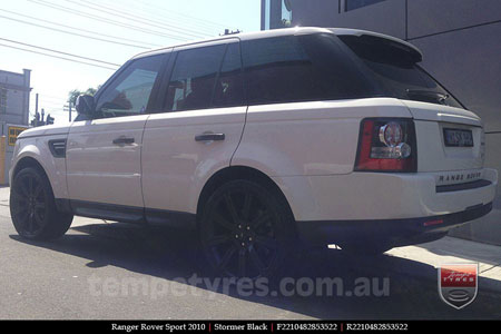 22x10 Stormer Black on RANGE ROVER SPORT